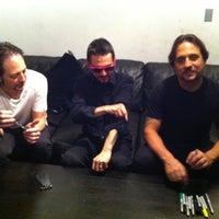 Foto scattata a SoundCheck Hollywood da Shawn V. il 5/16/2012