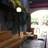 รูปภาพถ่ายที่ Intelligentsia Coffee & Tea โดย C B. เมื่อ 7/11/2012