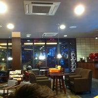 Foto diambil di John White cafe oleh Sue P. pada 6/23/2012