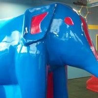 รูปภาพถ่ายที่ Omaha Children's Museum โดย CUTTY เมื่อ 1/3/2012