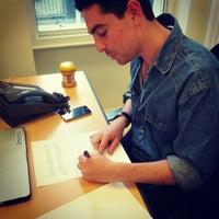 Das Foto wurde bei Foursquare London von Omid A. am 8/14/2012 aufgenommen