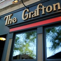 Снимок сделан в The Grafton Irish Pub & Grill пользователем Aaron B. 6/9/2012