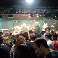 1/12/2012 tarihinde Daniel K.ziyaretçi tarafından Rock Café'de çekilen fotoğraf