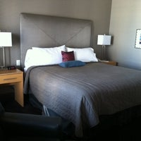 รูปภาพถ่ายที่ Magnolia Hotel โดย Kevin L. เมื่อ 6/3/2011
