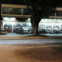 Foto tirada no(a) Padaria Real por Lucas Matheus G. em 4/20/2012