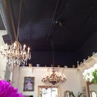 Foto tirada no(a) Mother's Bistro & Bar por elle w. em 7/5/2012