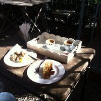รูปภาพถ่ายที่ Brigadeiro Doceria & Café โดย Carlos Y. เมื่อ 7/14/2012