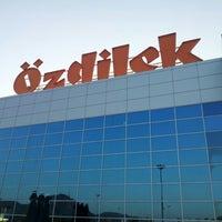 Das Foto wurde bei Özdilek von Sabit E. am 7/29/2012 aufgenommen