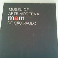 Foto scattata a Museu de Arte Moderna de São Paulo (MAM-SP) da Johanna D. il 7/26/2012