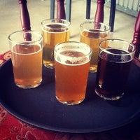 Foto tomada en Bootstrap Brewing por Colorado Card el 6/29/2012