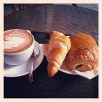Photo prise au Boréal Coffee Shop par Yannis J. le7/5/2012