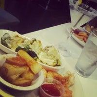 Foto tomada en Pearl Restaurant and Lounge por Janeen H. el 5/31/2012
