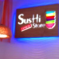 6/2/2012にSantiago C.がSushi Store Expressで撮った写真