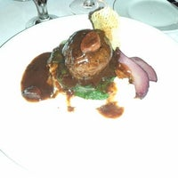 Foto tomada en Greystone Steakhouse por Brandon B. el 2/12/2012