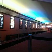 Foto tirada no(a) Cine Roxy por Léo M. em 7/24/2012