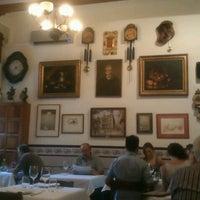 รูปภาพถ่ายที่ Pitarra โดย Victòria S. เมื่อ 9/6/2012