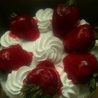 Das Foto wurde bei Four Seasons Diner & Bakery von Heather S. am 7/15/2012 aufgenommen