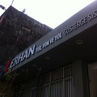 Photo prise au Erhan Reklam par ROSSİ BARBAROSSA ASMALİMESCİT T. le4/4/2012