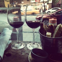 Foto scattata a Kaia Wine Bar da April H. il 6/15/2012
