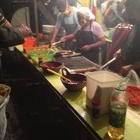 Foto tirada no(a) Tacuqui Tacos por Tivan G. em 9/7/2012