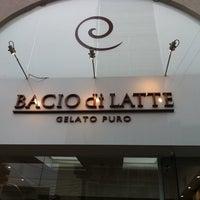 รูปภาพถ่ายที่ Bacio di Latte โดย Aline I. เมื่อ 10/12/2011