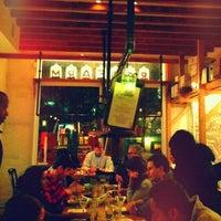 Das Foto wurde bei RedFarm von Joey L. am 2/20/2012 aufgenommen