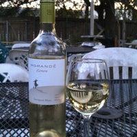 Foto tirada no(a) Bacchanal Wine por Larry L. em 1/15/2012