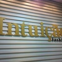 รูปภาพถ่ายที่ Intuição Fashion โดย Aninha P. เมื่อ 4/16/2012