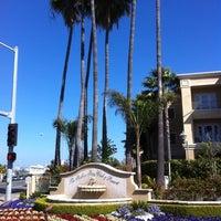 Foto tomada en Balboa Bay Resort por Terri R. el 4/19/2011