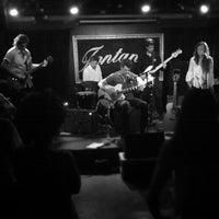 รูปภาพถ่ายที่ Fontana's Bar โดย LT 1. เมื่อ 8/23/2012