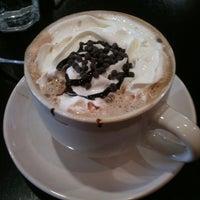 4/8/2011 tarihinde D L.ziyaretçi tarafından Midtown Crêperie & Café'de çekilen fotoğraf