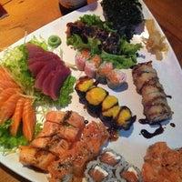 Foto tirada no(a) Hanbai Sushi Bar por Vinicius G. em 9/12/2012