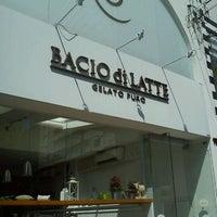 รูปภาพถ่ายที่ Bacio di Latte โดย Wagner T. เมื่อ 1/2/2012