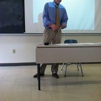 4/17/2012 tarihinde Daniel R.ziyaretçi tarafından Hyland Hall (University of Scranton)'de çekilen fotoğraf
