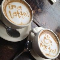 Photo prise au Blu Jam Café par Johnny J. le3/11/2012