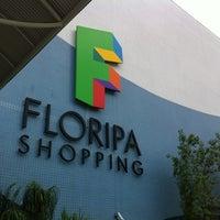 รูปภาพถ่ายที่ Floripa Shopping โดย Leandro R. เมื่อ 2/26/2012