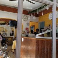 11/30/2011 tarihinde Alberto N.ziyaretçi tarafından Fast & Fresh'de çekilen fotoğraf