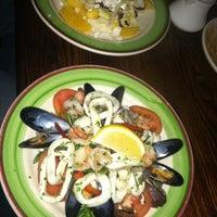 Das Foto wurde bei Cucina Di Pesce von Tracy Marie T. am 2/26/2012 aufgenommen