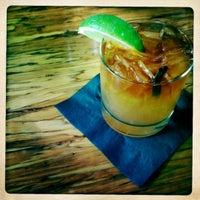 Foto tirada no(a) Poco Wine + Spirits por E P. em 6/9/2012