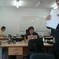 Foto tomada en BeesOffice Espaço de Coworking por Leonardo Jorge D. el 9/2/2011