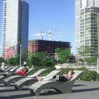 5/31/2012 tarihinde MS P.ziyaretçi tarafından Gantry Plaza State Park'de çekilen fotoğraf