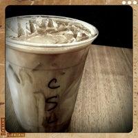 Снимок сделан в Street Bean Espresso пользователем Sophia 9/27/2011