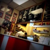 4/22/2012에 john g.님이 T. Anthony's Pizzeria에서 찍은 사진