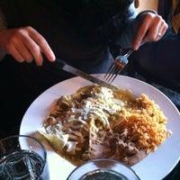 รูปภาพถ่ายที่ Salsa & Agave Mexican Grill โดย Alonso L. เมื่อ 5/24/2012