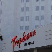รูปภาพถ่ายที่ Tropicana Las Vegas โดย Gabriel V. เมื่อ 5/14/2012