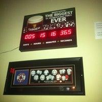 Foto scattata a Brennan's Shebeen Irish Bar & Grill da Rebecca M. il 3/12/2012