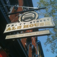 8/19/2011にGregg W.がPratt Street Ale Houseで撮った写真
