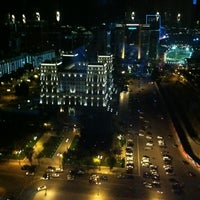 Снимок сделан в 360 Bar пользователем Bulent S. 7/16/2012