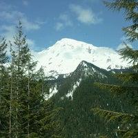 Foto tirada no(a) Mount Rainier National Park por Brennan K. em 5/11/2011