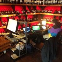 Das Foto wurde bei Open Café & Wine Bar von Mauricio S. am 7/31/2012 aufgenommen
